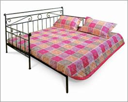 Ausgezogenes Bett Plata ist bequem und praktisch