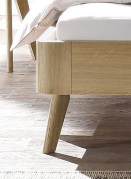 Schräge Füße des modernen Bettes Rakaia