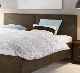 Bett Tonala inklusive Kopfteil aus Luxus-Kunstleder