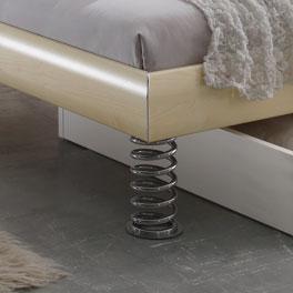 Bett Wereda mit spiralförmigen Füßen