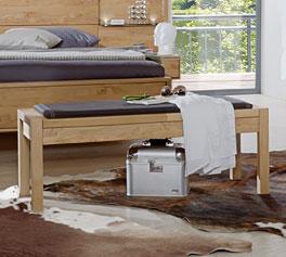 Bettbank Fria aus robustem Holz