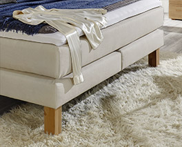 Boxspringbett Cantabria mit Bettbeinen aus Massivholz