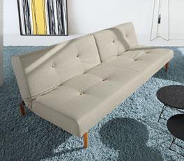 Couch Torey als ideal Übernachtungsstätte