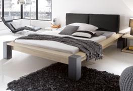 Doppelbett Gavia aus massiver Wildeiche