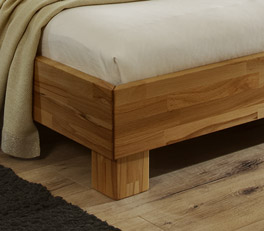 Doppelbett Marmore mit stabilen Blockfüßen