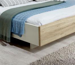 Doppelbett Swansea mit nach innen versetzten Bettfüßen