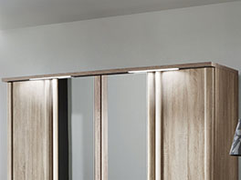 Drehtüren Kleiderschrank Runcorn mit beleuchteter Kranzleiste