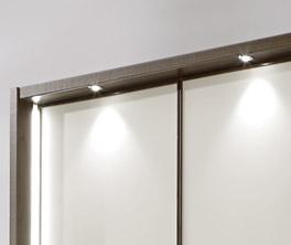 Drehtüren-Kleiderschrank Akola mit schöner LED-Beleuchtung