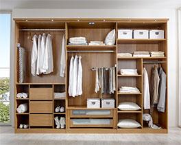 Innenausstattung von Drehtüren- und Schwebetüren-Kleiderschränke