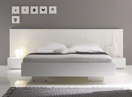"""Bett """"Emilia"""" weiss lackiert und gebürstet"""