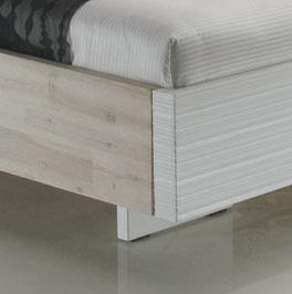 Das Bett Emilia gebürstet und lackiert