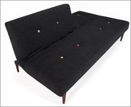 Gästesofa mit verstellbarer Rückenlehne in Sitzposition