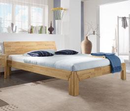 Holzbett Jura aus robustem Massivholz