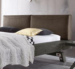 Holzbett Salo mit Kopfteil in Luxus-Kunstleder