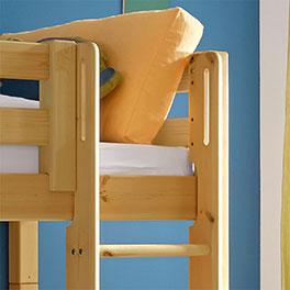 Hütten-Hochbett Kids Paradise für Jungen mit rechts oder links montierbarer Leiter