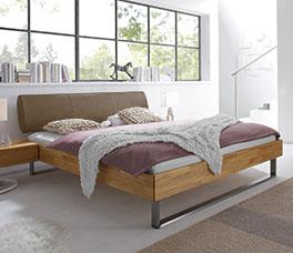 Hochwertiges Bett Tema in moderner Kernbuche