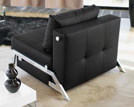 Klappsofa Dowing liegt mit modernem Design im Trend