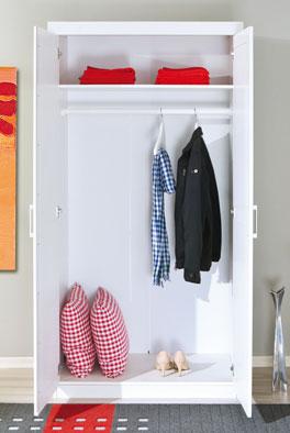 die simple inneneinteilung sorgt f r gute bersicht der kleidung. Black Bedroom Furniture Sets. Home Design Ideas