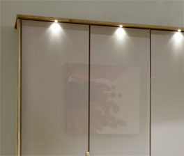 Kleiderschrank Morley mit Passepartout-Rahmen und Lichtern