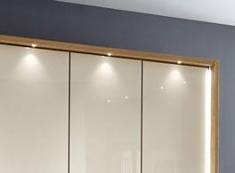 Moderner Kleiderschrank Toride mit LED-Beleuchtung