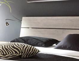 Bett Santerno mit bequemen Holz-Kopfteil zum Anlehnen