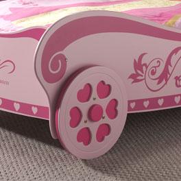 Detailreiches Rad vom Kutschenbett Pink Heart
