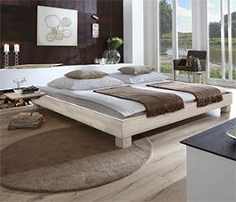 Hochwertige Liege Alicante in weißer Buche in tollem design.