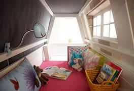 Lifetime Abenteuer und Etagenbett Villa mit Faltmatratze im Innenraum