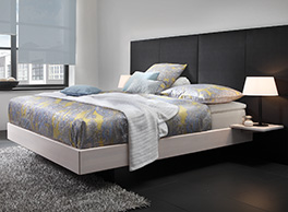 Design Boxspringbett in Schweberahmen-Optik