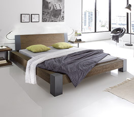 Hochwertiges Massivholz-Futonbett Sangro mit 10cm hohem Fuss