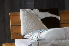 Geteiltes Kopfteil am Bett Aragon
