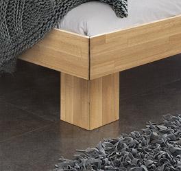 Tolles Design Massivholzbett Maidstone mit stabilen Füßen