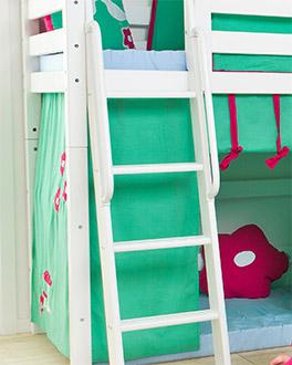Mittelhohes Bett Kids Royalty mit optionalem Handlauf an der Leiter