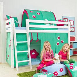 Mittelhohes Bett Kids Royalty aus stabilem Massivholz