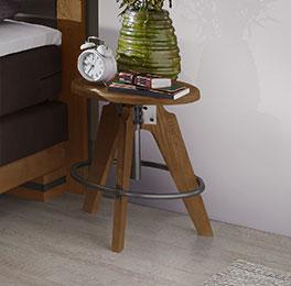 Hochwertiger Nachttisch Aronia aus robuster Wildeiche