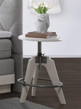 Stabiler Nachttisch Fremont aus Stahl und Massivholz