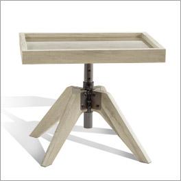 Nachttisch Valletta in einer Kombination aus Holz und Stahl