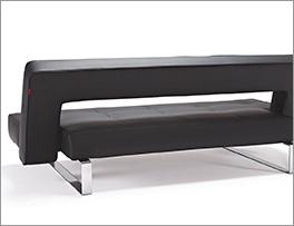 Hochwertiges Design-Schlafsofa Kidwelly aus schwarzem Leder in Rückansicht