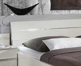 Schubkasten-Doppelbett Salford mit Kopfteil mit Chrom-Elementen