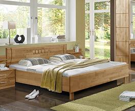 Teilmassives Bett Beyla aus Erlenholz