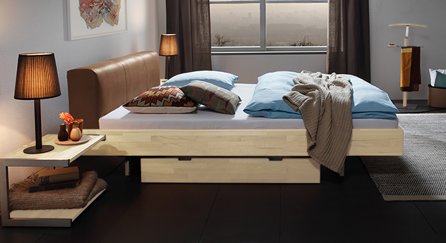 Bett Vimara aus massivem Buchenholz in Weiß