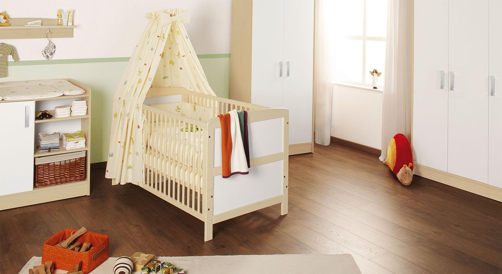 Kinderbett Gitterbett Henri mit effektivem Umbau-Set