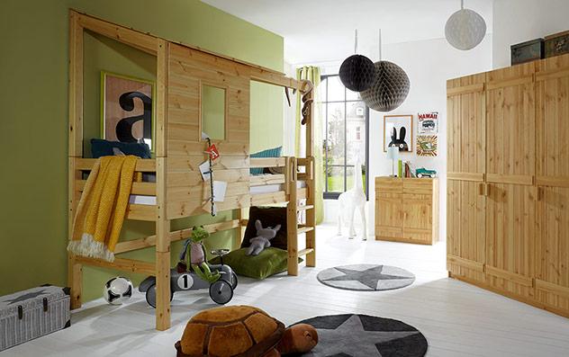 Abenteuer-Hochbett Kids Paradise in geölter Kiefer mit gerader Leiter, 117cm