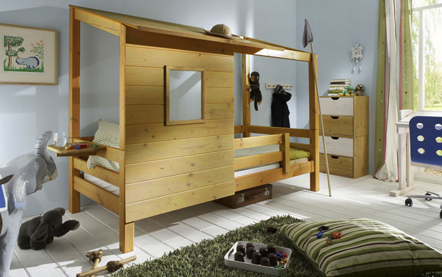 abenteuerbett mit spielhaus aus holz kids paradise. Black Bedroom Furniture Sets. Home Design Ideas