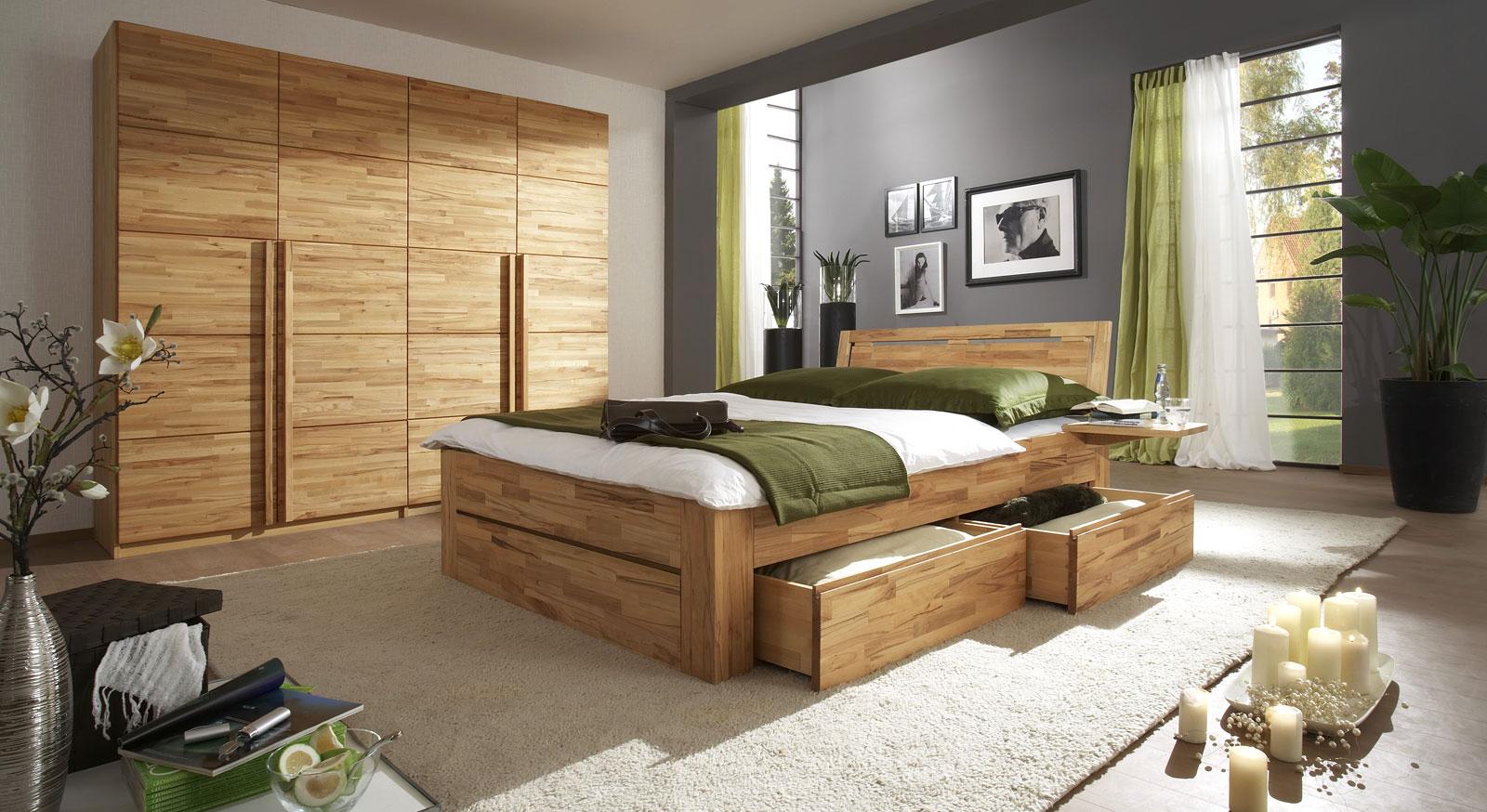 Schlafzimmereinrichtung Andalucia aus Massivholz