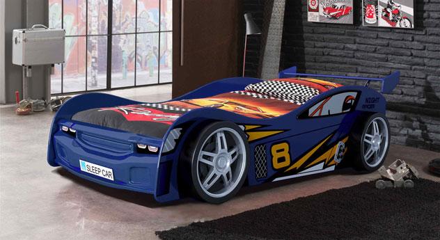 Autobett Spirit blau mit Rennwagen-Aufschrift