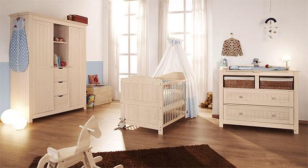 Massivholz-Babyzimmer Finja in cremeweißer Fichte