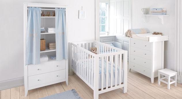 Babyzimmer Kids Heaven in schlichtem Weiß