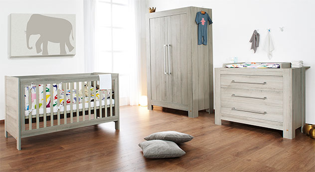 Babyzimmer Somnio aus massiver Kiefer in Schilfgrau