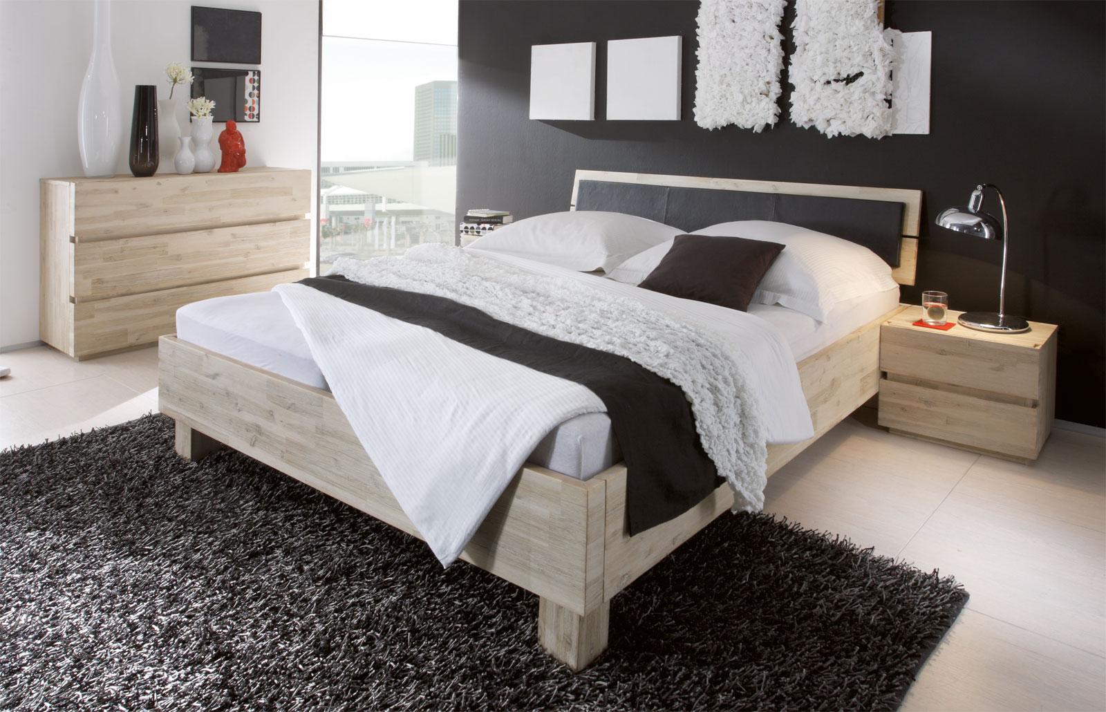 Bett Arezzo mit 14cm hohen Füßen